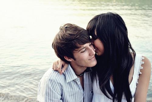 Couples-love-17221549-500-335