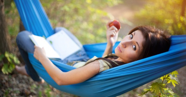 girl-relaxing-hammock_53343991-620x325